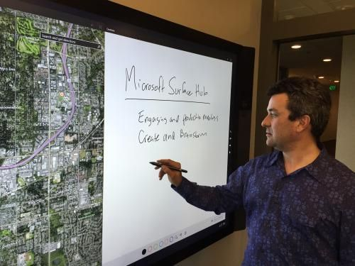 Mike Angiulo demos the Surface Hub at Microsoft. (Photos: Rafe Needleman/Yahoo)